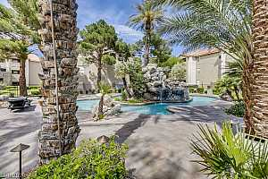 MLS # 2199805 : 4200 VALLEY VIEW 3042