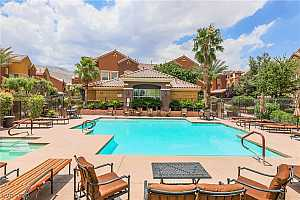 MLS # 2207971 : 3975 HUALAPAI WAY 126