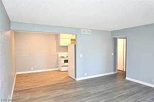MLS # 2220464 : 595 ROYAL CREST VIEW 1