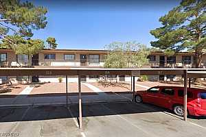 MLS # 2230616 : 585 ROYAL CREST CIRCLE 21