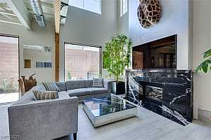More Details about MLS # 2316322 : 971 PAISLEY STREET
