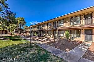 MLS # 2067973 : 575 ROYAL CREST CIRCLE UNIT 19