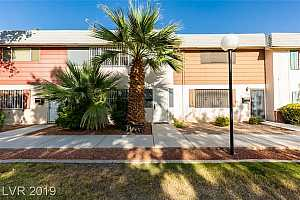 MLS # 2147926 : 162 GREENBRIAR TOWNHOUSE WAY