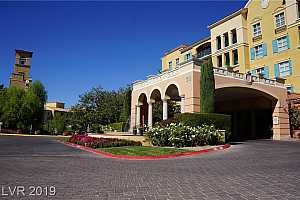 MLS # 2153384 : 30 STRADA DI VILLAGGIO #141