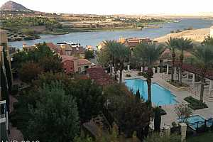 MLS # 2161571 : 30 STRADA DI VILLAGGIO #514
