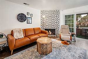 Browse active condo listings in CANYON LAKE