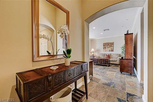 Photo #5 Foyer with tall ceilings