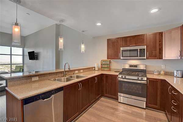 Photo #12 Beautiful stainless steel appliances compliment th