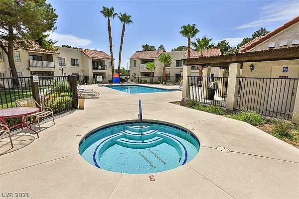 Photo #6 Gated Community with 3 Pools