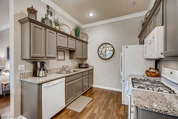 Photo #11 Kitchen w/ Granite Counters, Tile Floors, Newly Pa