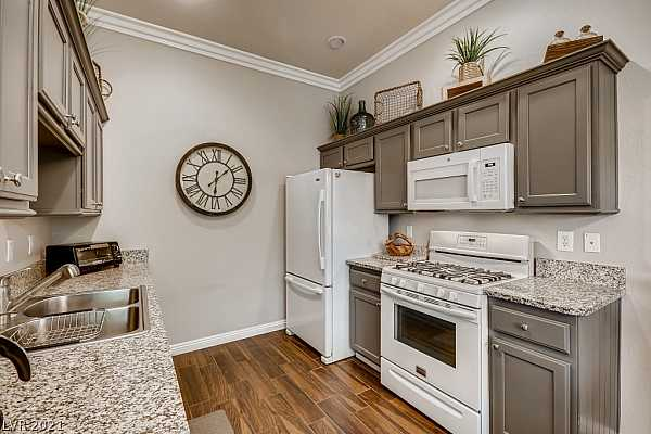 Photo #12 Kitchen w/ Granite Counters, Tile Floors, Newly Pa