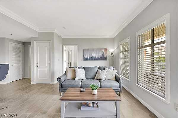 Photo #6 Light and airy feel in this lovely condo