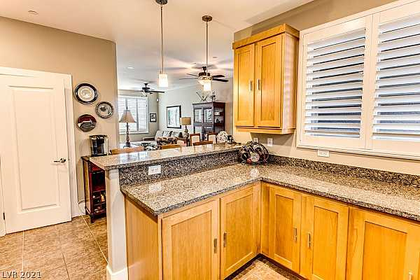 Photo #10 What a spacious Kitchen in this nicely laid out to