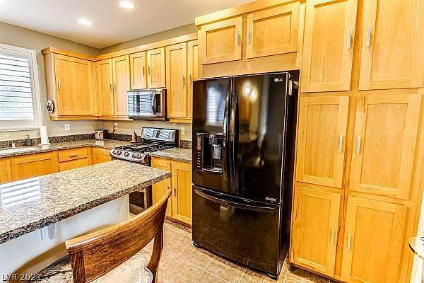 Photo #12 What a spacious Kitchen in this nicely laid out to