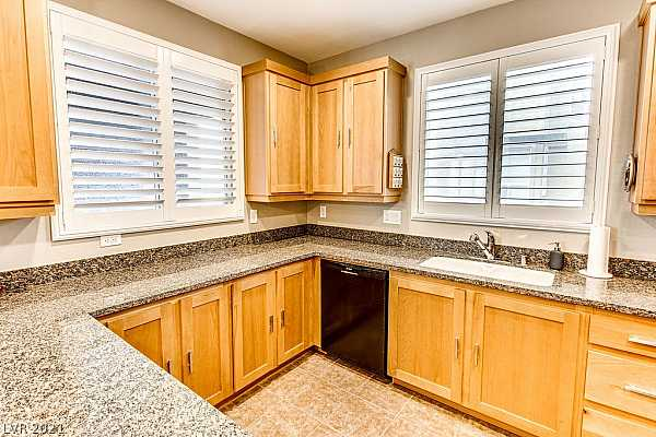 Photo #9 What a spacious Kitchen in this nicely laid out to